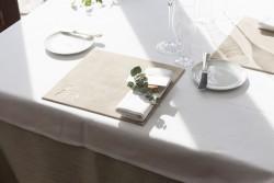 メゾン・ド・タカ芦屋 テーブル